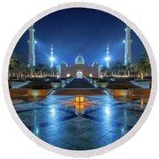 Night View At Sheikh Zayed Grand Mosque, Abu Dhabi, United Arab Emirates Round Beach Towel