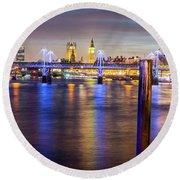 Night View Of Hungerford Bridge And Golden Jubilee Bridges London Round Beach Towel