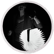 Night Visitor Round Beach Towel