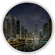 Nighttime Chicago River And Skyline View Round Beach Towel