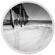 Nj Shore In Black And White Round Beach Towel