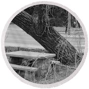 No One Sits Here In Black And White Round Beach Towel