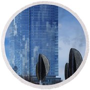 Northwestern Mutual Tower - Milwaukee Wisconsin 2017 Round Beach Towel