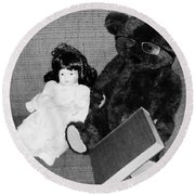 Nostalgic Doll And Bear With Reading Book Round Beach Towel