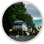Ns 62w With Blurred Flowers Round Beach Towel
