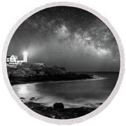 Nubble At Night Round Beach Towel
