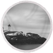 Nubble Lighthouse Overcast Bw Round Beach Towel