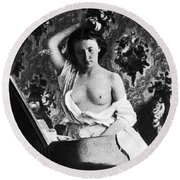 Nude Fixing Hair, C1861 Round Beach Towel