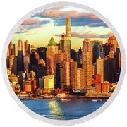 Nyc West Side Skyscrapers At Sundown Round Beach Towel