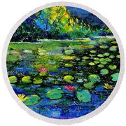 Nympheas Round Beach Towel