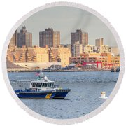 Nypd Patrol Boat In East River Round Beach Towel