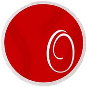 O In White Simple Script Round Beach Towel