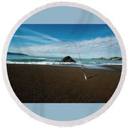 Ocean Side Lunch - San Francisco Bay Round Beach Towel