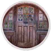 Old Arched Doorway-tucson Round Beach Towel