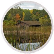 Old Bait Shop On Twin Lake_9626 Round Beach Towel