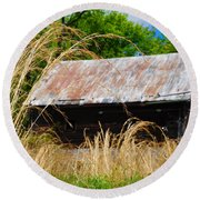 Old Barn In Roxborough Round Beach Towel