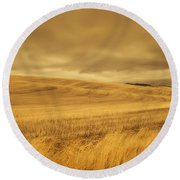 Old Barn In The Wheat Field Round Beach Towel