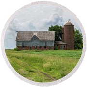Old Barn Country Scene 4 A Round Beach Towel