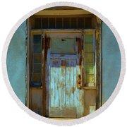 Old Blue Door  Round Beach Towel