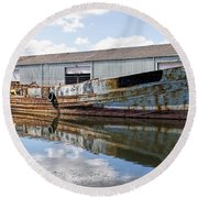 Old Boats Along The Exeter Canal Round Beach Towel