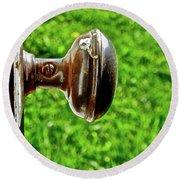 Old Brown Doorknob Round Beach Towel