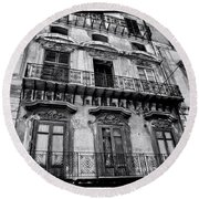 Old Building In Sicily Round Beach Towel