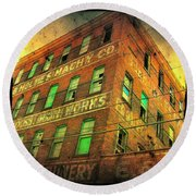 Old Empty Building In Retro Colors Round Beach Towel