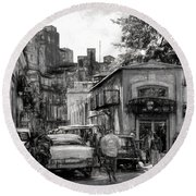 Old Buildings And Cars In Havana - V2 Round Beach Towel