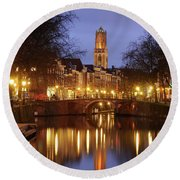 Old Canal And Dom Tower In Utrecht In The Evening 16 Round Beach Towel