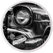 Old Classic Car In Black And White Round Beach Towel
