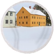 Old Colonial Wood Framed Houses In Winter Round Beach Towel