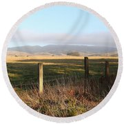 Old Fence And Landscape Along Sir Francis Drake Boulevard At Point Reyes California . 7d9965 Round Beach Towel