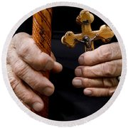 Old Hands And Crucifix  Round Beach Towel