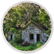 Old House Blues Round Beach Towel