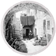 Old House Court Round Beach Towel