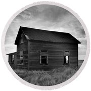 Old House In A Barren Field Round Beach Towel