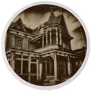 Old House In Cape May Round Beach Towel