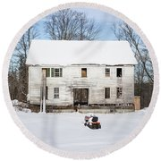 Old House In The Snow Springfield New Hampshire Round Beach Towel