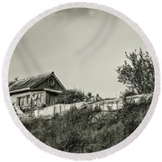 Old House On The Hill Round Beach Towel