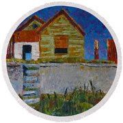 Old House With Lamppost Round Beach Towel