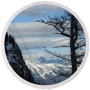 Old Larch Tree Has Best View Round Beach Towel
