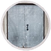 Old Metal Door Round Beach Towel