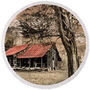 Old Mountain Cabin Round Beach Towel