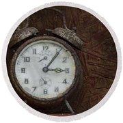 Old Rustick Clock Round Beach Towel