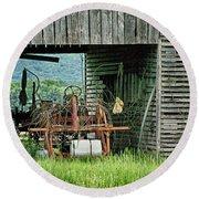 Old Tractor - Missouri - Barn Round Beach Towel