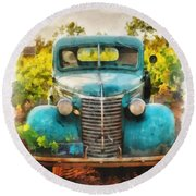 Old Truck At The Winery Round Beach Towel