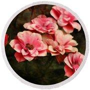 Old Victorian Fuchsia Pink Rose Round Beach Towel