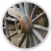 Old Waagon Wheel Round Beach Towel