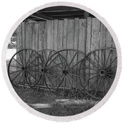 Old Wagon Wheels Black And White Round Beach Towel