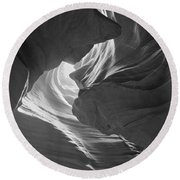 Old Woman In The Canyon Black And White Round Beach Towel